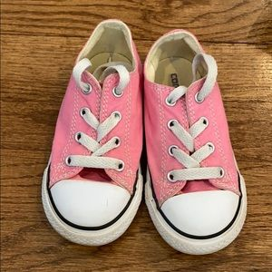 Great condition girls converse